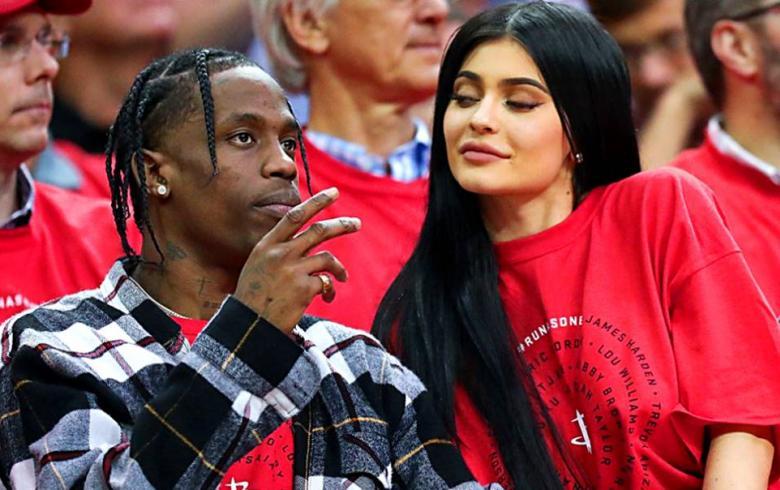 Kylie Jenner y Travis Scott publican su primera foto como padres