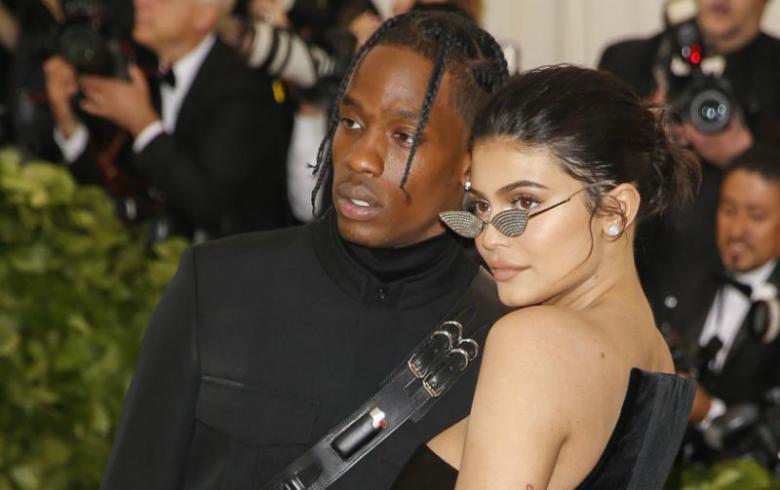 Demandan a Kylie Jenner por supuesto plagio de linea de maquillaje