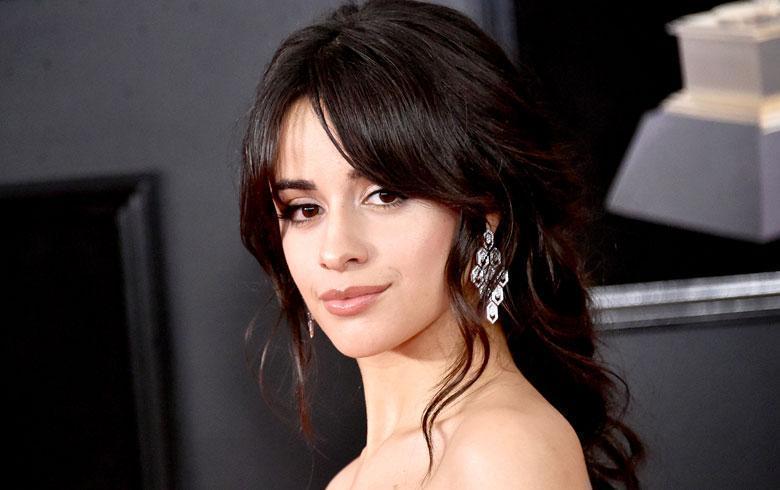 Camila Cabello luce look inspiración idol de Kpop