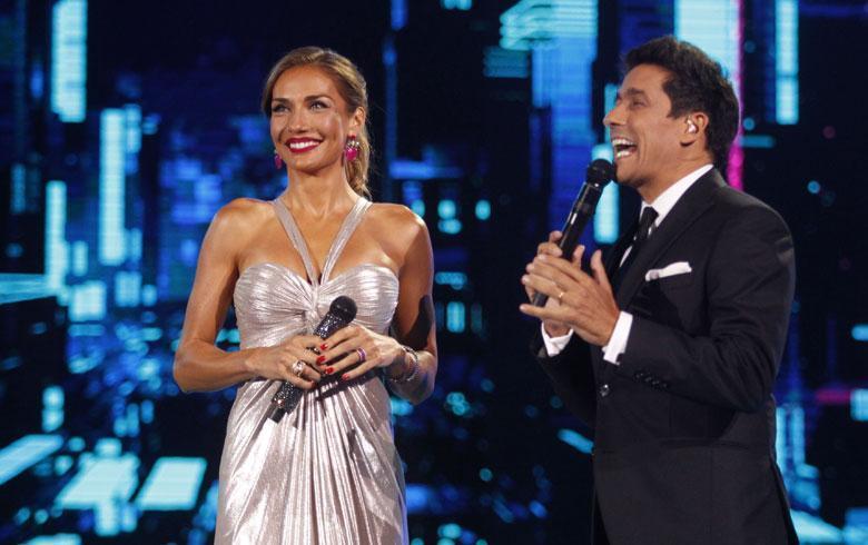 Tuiteros destrozan el vestido de Carola de Moras en la cuarta noche