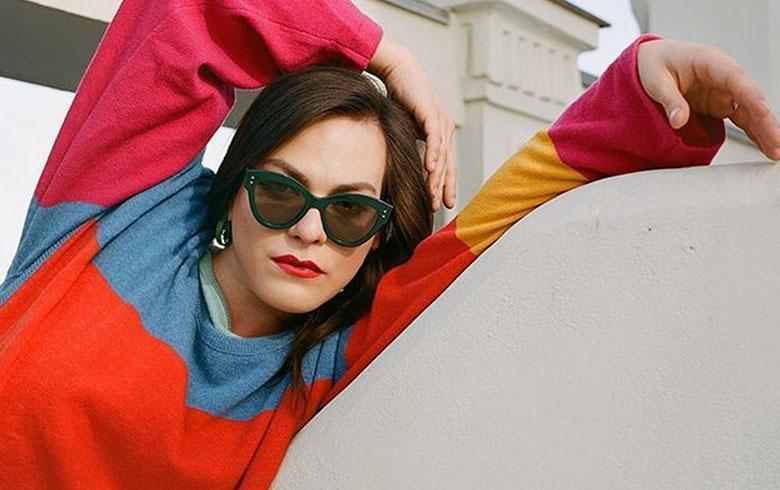 Daniela Vega es portada de importante revista estadounidense junto a Robert Pattinson