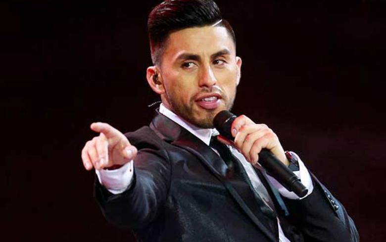 Mauricio Bustamante protagonizó chascarro en pleno noticiero