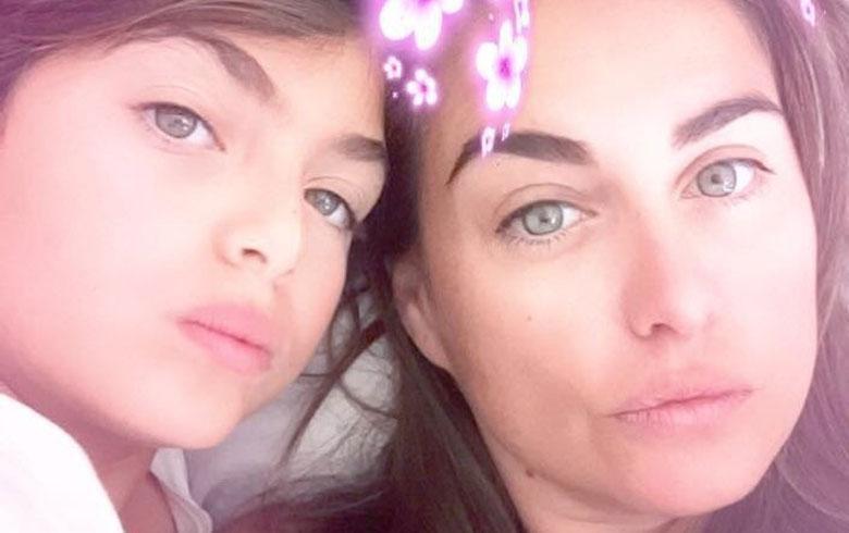 Hija de Ingrid Cruz se suma a la tendencia del verano