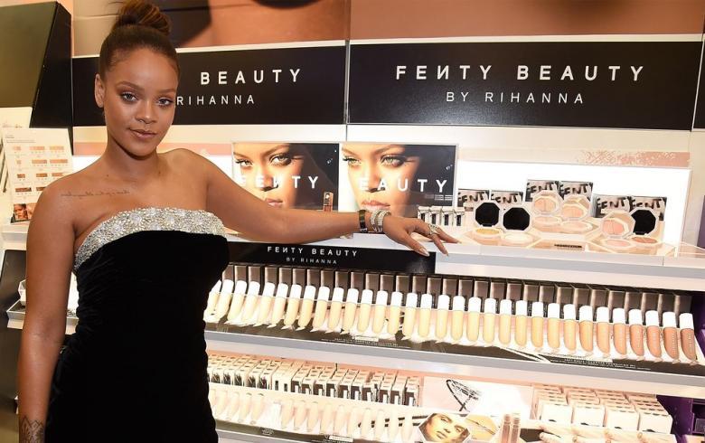 Nombre completo de Rihanna causa furor entre sus seguidores [IMÁGENES — Twitter