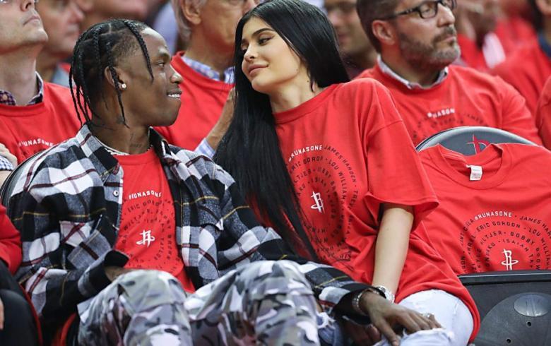 Kylie Jenner habría sido abandonada por Travis Scott en pleno embarazo
