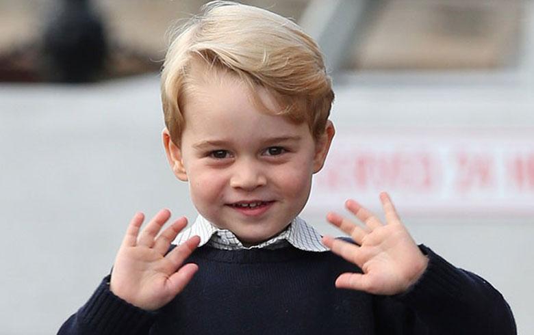 El príncipe George de Inglaterra asistió su primer día de clases