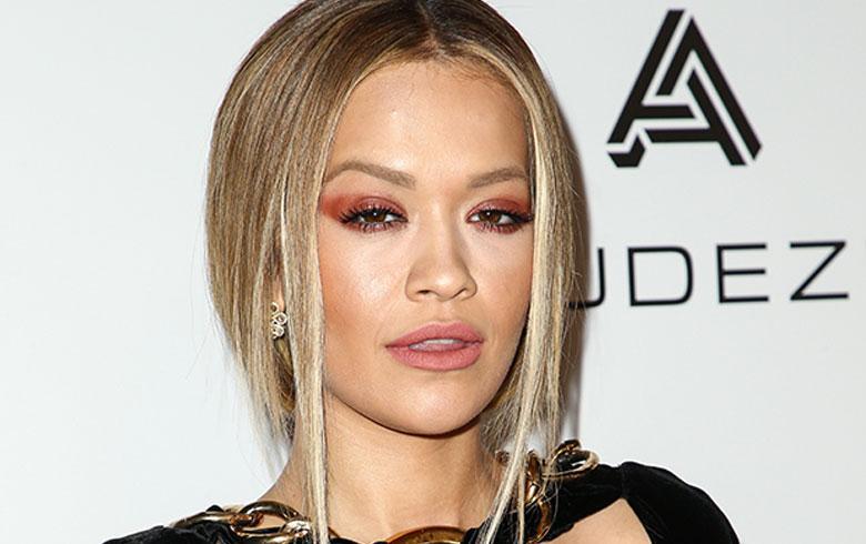 El bikini de lujo con el que Rita Ora se baña en Cannes