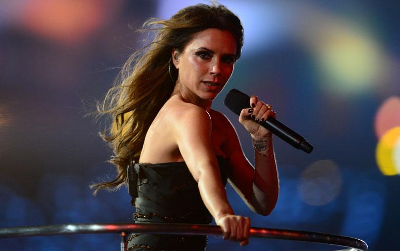 Victoria Beckham revela que le apagaban el micrófono en las presentaciones de las Spice Girls