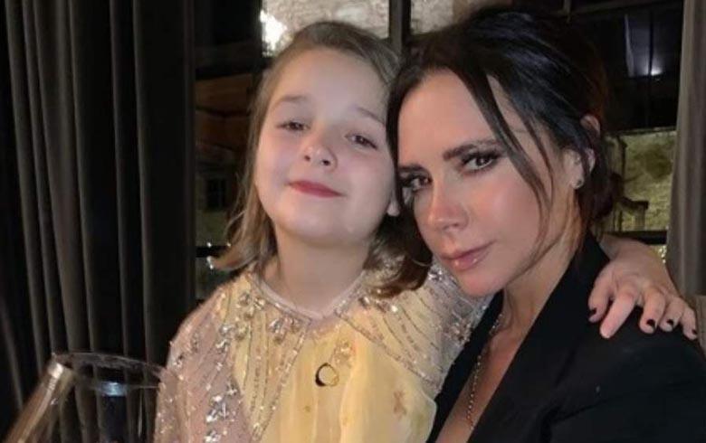 Critican a Victoria Beckham por someter a su pequeña hija a un tratamiento estético