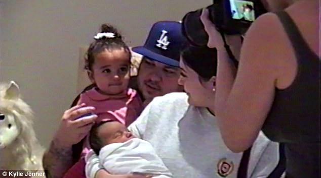 Kylie Jenner publica la primera foto de su bebé