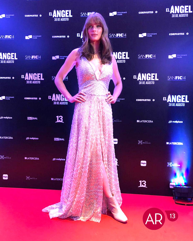 Josefina Montané combinó un vestido de gala con botines en Sanfic 14 ...