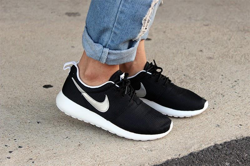 Nike Roshe Black
