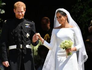 Video muestra la reacción de Meghan Markle al ver su vestido de novia por primera vez