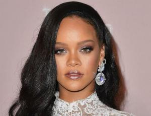 Así ha cambiado el look de Rihanna estos últimos 10 años