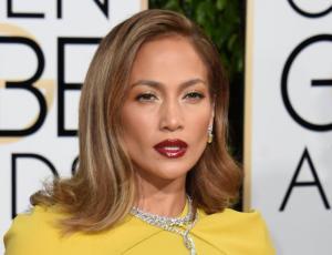Las atrevidas fotos de Jennifer Lopez que encienden la web