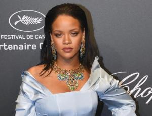 Rihanna respondió a los comentarios sobre su peso con un meme