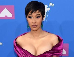 Cardi B impacta con sensual vestido velvet en los MTV VMA's 2018