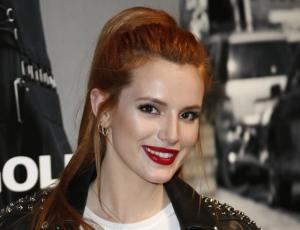 Bella Thorne quería ser rubia y terminó con el pelo verde