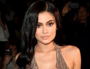 Kylie Jenner acompañó a un chico desconocido a su fiesta de graduación