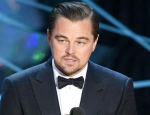 Captan a Leonardo DiCaprio junto a modelo argentina en Coachella