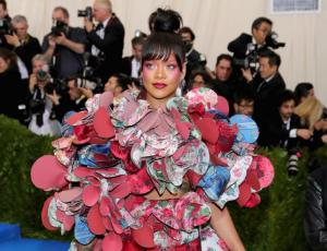 Rihanna se puso pijama para la fiesta post Met Gala