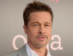 La nueva novia de Brad Pitt interpretó a una versión más joven de Angelina Jolie