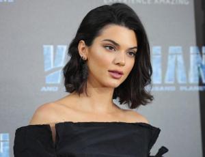 La extraña prenda con la que Kendall Jenner se roba la atención en Nueva York