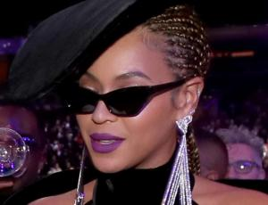 Beyoncé llegó tarde y luciendo como una diva a los Grammy 2018