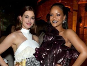 Rihanna opinó del trasero de Anne Hathaway