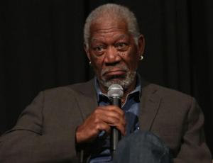 Morgan Freeman acusado de acoso sexual por 8 mujeres