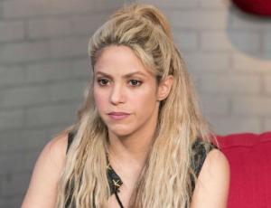"""Critican a Shakira por vender collar """"nazi"""" en su sitio web"""