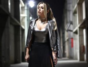 """Vestido """"low cost"""" de Daniela Aránguiz es blanco de burlas"""