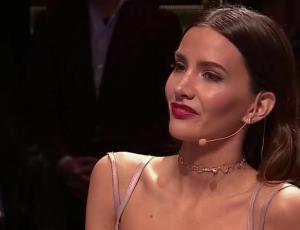 """Aylén Milla eligió look romántico para su debut en """"Vértigo"""""""