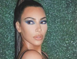 Kim Kardashian se desnuda para crear su nuevo perfume