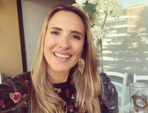 Angélica Castro divide opiniones tras compartir antiguo look
