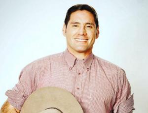 Pancho Saavedra sorprende a sus seguidores con mega concurso