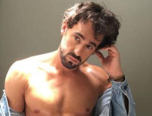 El infartante desnudo de Ariel Levy en redes sociales