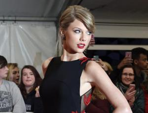 Taylor Swift gana juicio a DJ que acusó de agresión sexual