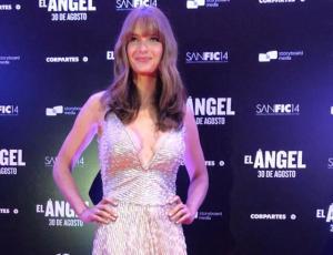 Josefina Montané combinó un vestido de gala con botines en Sanfic 14