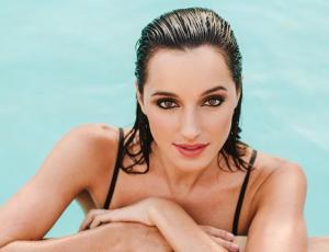 Candidata a Miss Universo quiso lucirse al desfilar y terminó viviendo la vergüenza de su vida