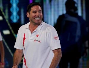 El noble gesto de Pancho Saavedra a joven con cáncer que sufrió millonario robo