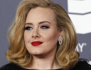 Adele preocupa anunciando retiro de los escenarios de forma pemanente
