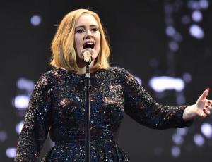 Video de Adele olvidando la letra de una de sus canciones se convierte en viral