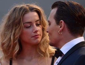 Acusan a Amber Heard de chantajear a Johnny Depp