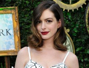 """La aplaudida respuesta de Anne Hathaway al """"halago"""" de reconocido actor"""