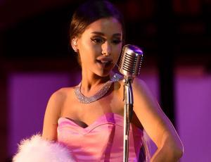 Ariana Grande lanzó una canción junto a Lil Wayne