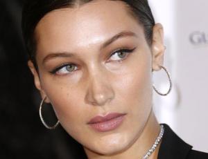Medios estadounidenses comparan rostro de Bella Hadid ahora y hace años