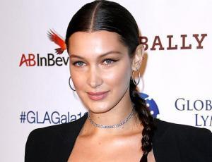 ¡Alerta trend! Bella Hadid luce fácil peinado full 90's