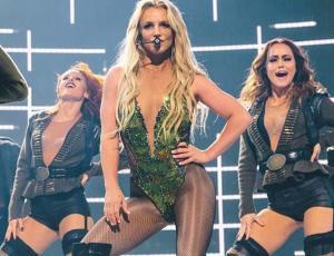Fotografían a Britney Spears notoriamente cansada tras show en Londres