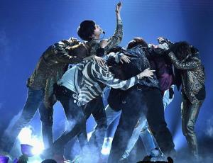 """BTS superó a One Direction con su nueva película """"Burn The Stage"""""""